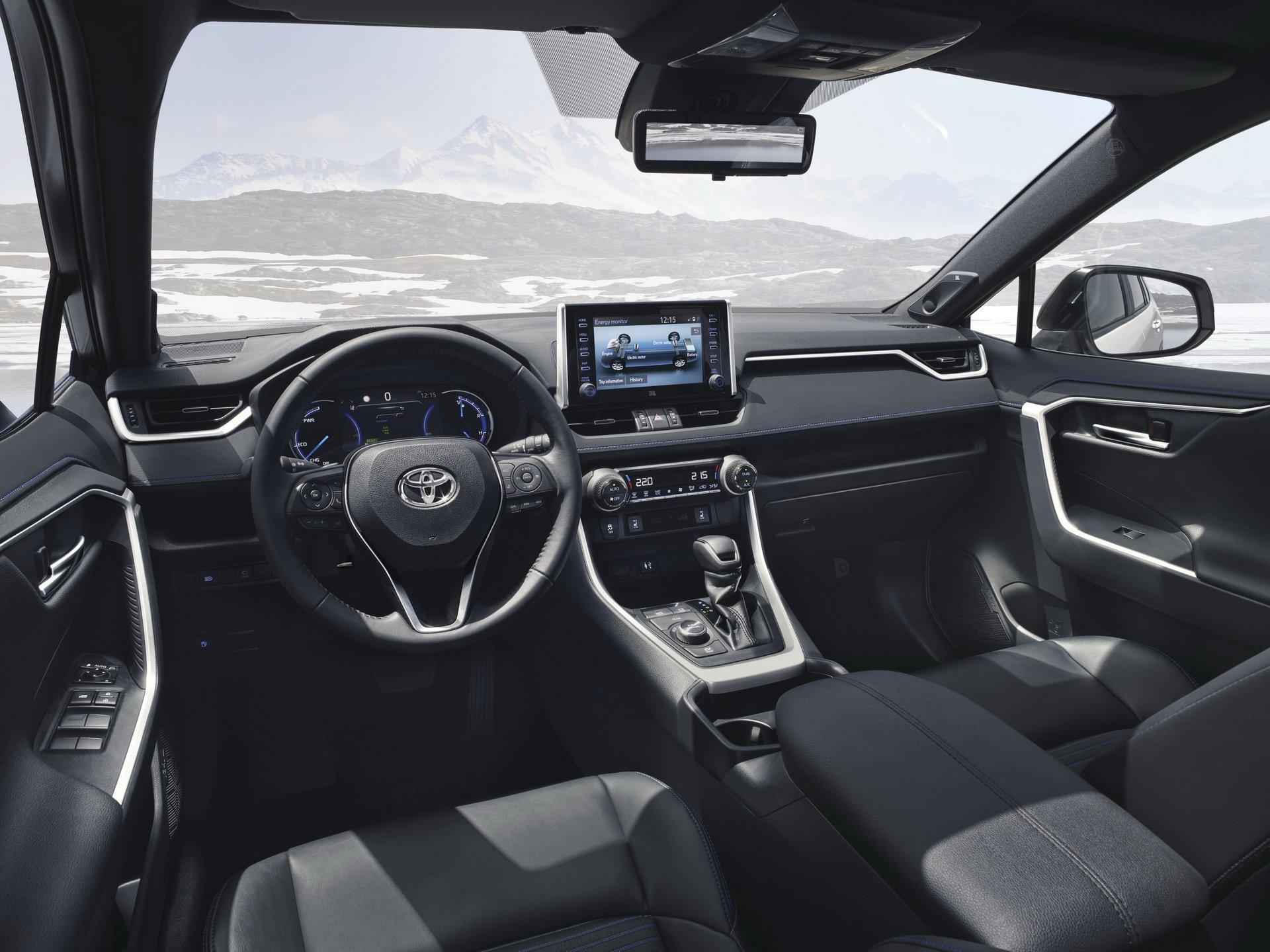 Toyota RAV4 Hybrid (2)