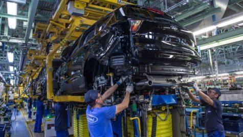 O uzină Ford ia pauză din cauza cererii în scădere