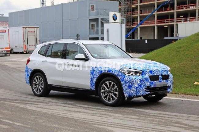 Prima fotografie necamuflată BMW iX3