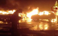 Imaginile dezastrului de la Savona. Sute de mașini au ars ca niște torțe