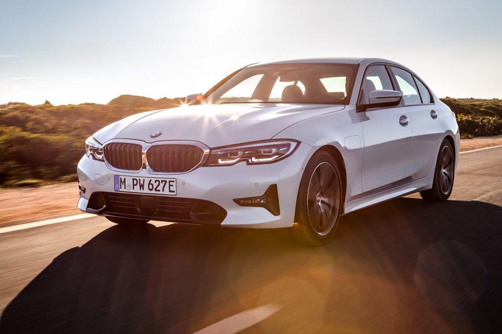 Noul BMW 330e (5)