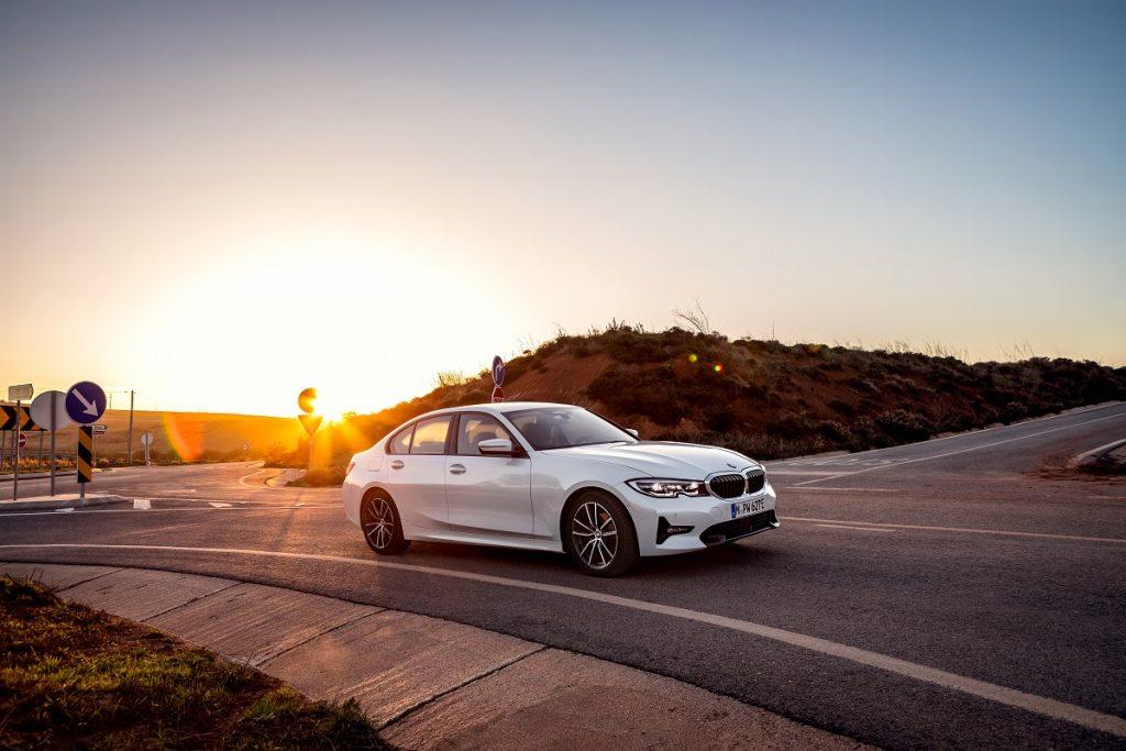 Noul BMW 330e (6)