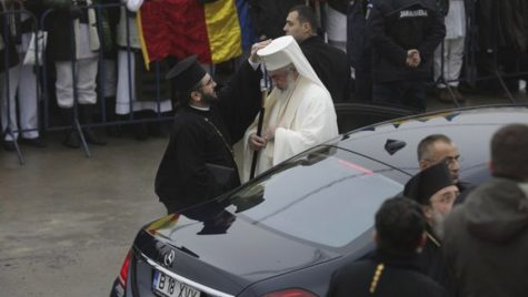 Mercedes-ul Patriarhului Daniel nu are asigurare RCA