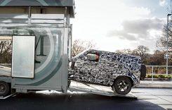 Viitorul Land Rover Defender – primul teaser. Cadou pentru fani?