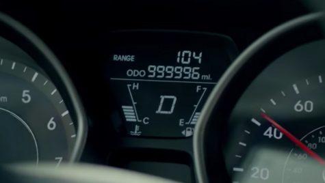 O șoferiță din America a parcurs 1,6 milioane de km în 5 ani! Cu ce mașină a reușit acest record