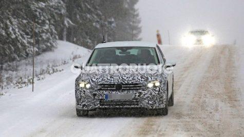 Viitorul Volkswagen Passat testează pe zăpadă. Când va fi gata?
