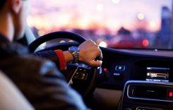 Cum poţi activa funcţia Bluetooth în propria maşină