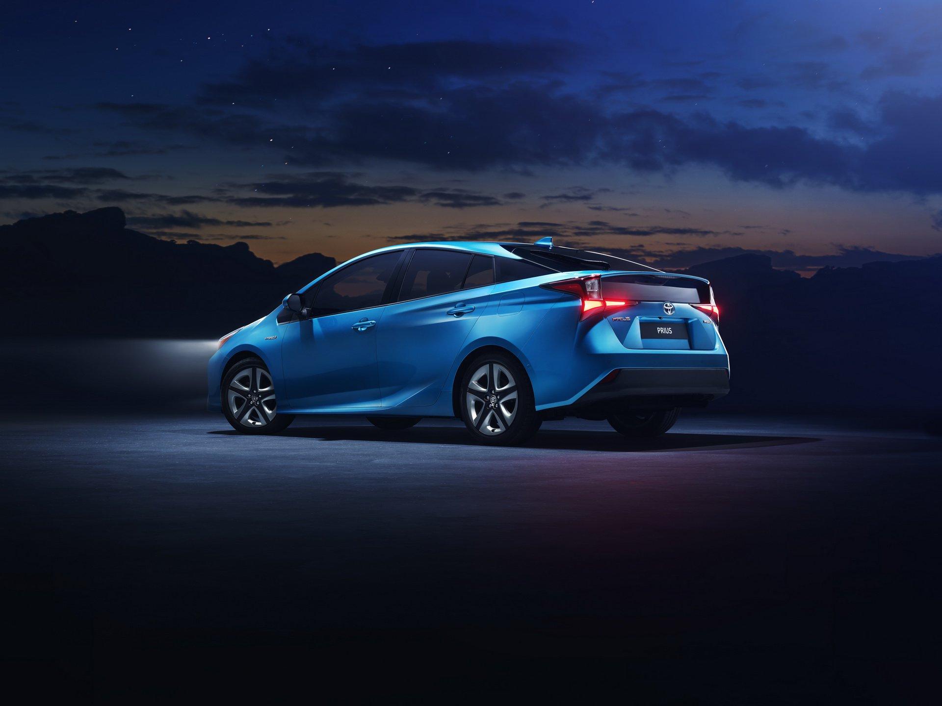 Noua Toyota Prius - Informații și fotografii oficiale noi 2