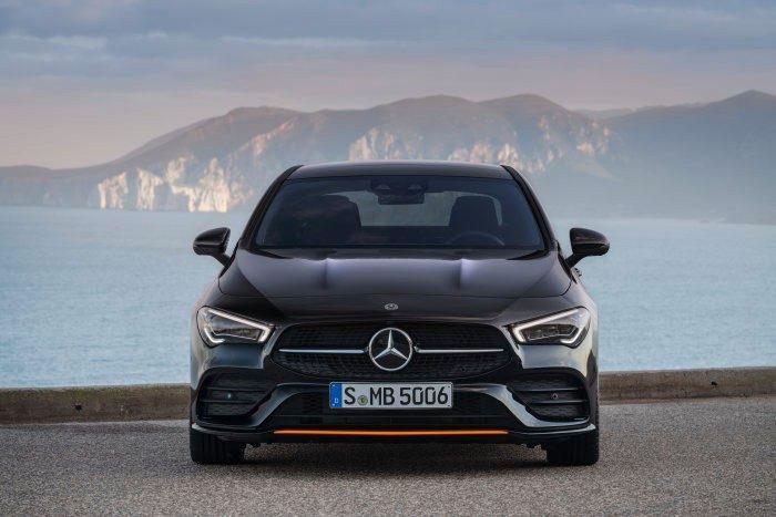 Noul Mercedes-Benz CLA