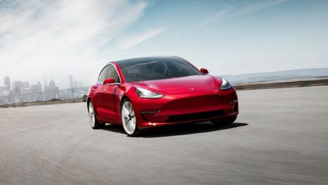 Tesla bate un nou record de vânzări