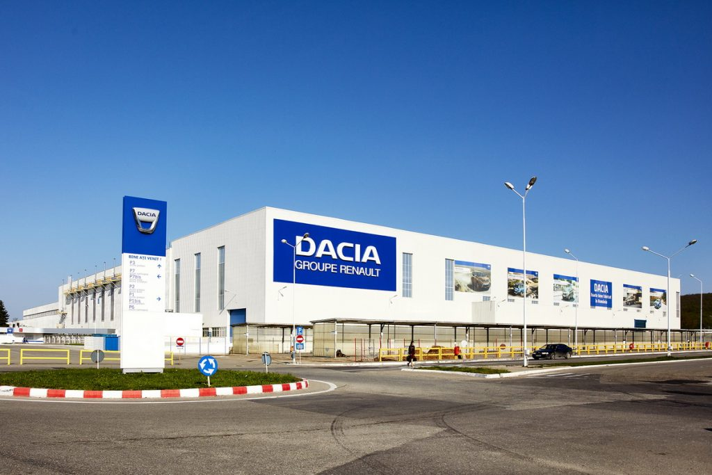 uzina dacia productie automobile in Romania