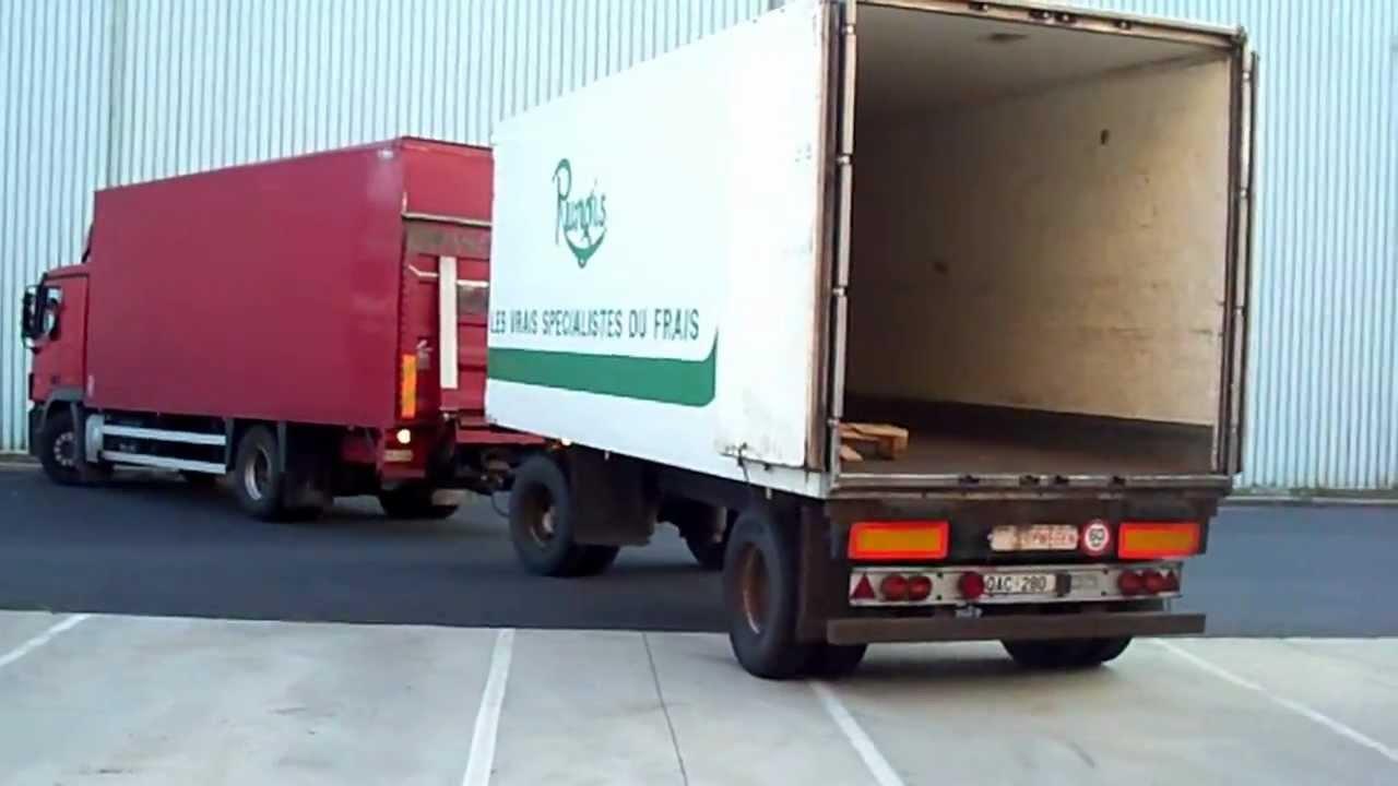 camion cu remorca Truck1