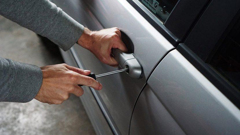 Cum verifici dacă mașina pe care o cumperi este furată