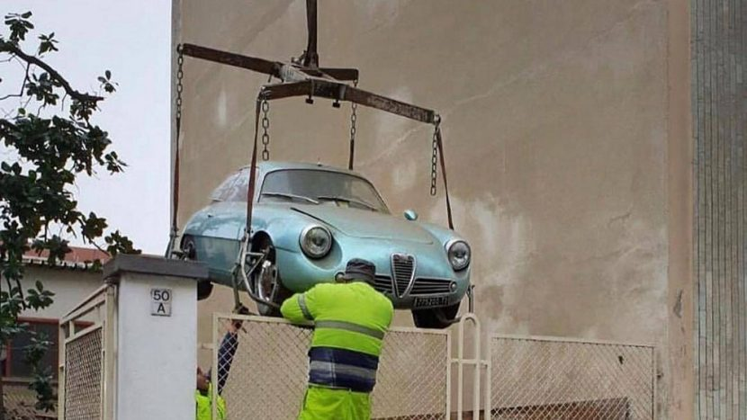 Descoperirea anului: a fost recuperată o Alfa Romeo Giulietta SZ
