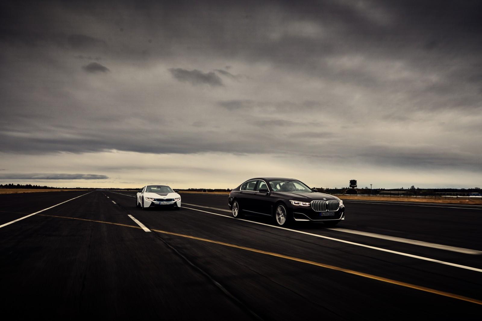 BMW Seria 7 Plug-in Hybrid (8)