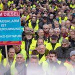 Au ieșit în stradă după ce autoritățile au interzis mașinile diesel vechi