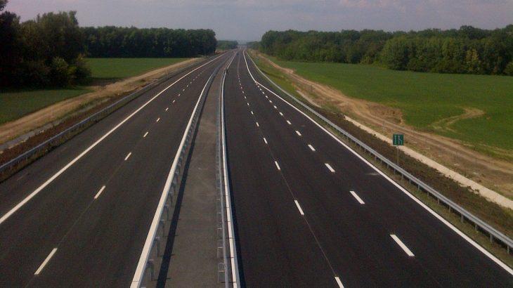 Autostrada Urbană, în reparații, la două luni de la inaugurare