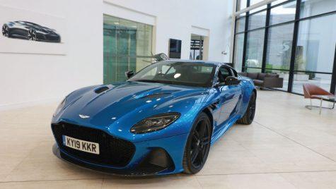 Cel mai bogat om din Elveția a cumpărat 3.4% din Aston Martin