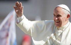 Papa Francisc se va deplasa cu un papamobil fabricat în România