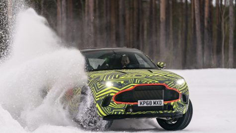Spionaj: Aston Martin DBX a fost surprins în teste