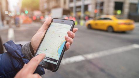 Schimbare RADICALĂ la Uber. Prețuri majorate începând de astăzi