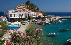 Pleci cu maşina în Grecia? Află cum te fereşti de amenzi de 2.000 de euro