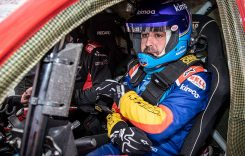 Fernando Alonso testează Toyota Hilux Dakar
