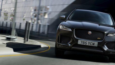 Jaguar F-PACE: între ciocan şi nicovală