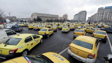Centrul Capitalei blocat de protestul taximetriștilor. Restricții de circulație în zonă