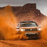 Dacia Duster in desert Autocar.co (4)