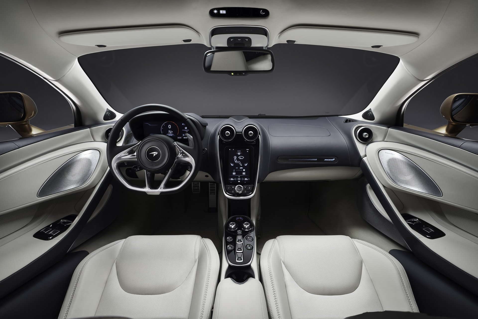 Noul McLaren GT (12)