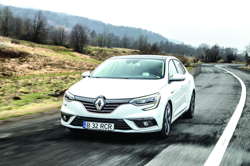 test comparativ Renault Megane Sedan vs Hyundai Elantra