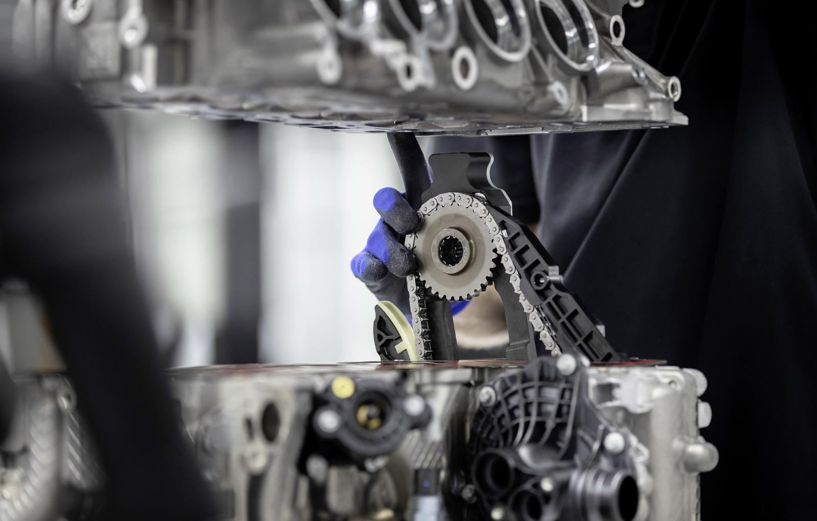 Cel mai puternic motor cu patru cilindri (5)