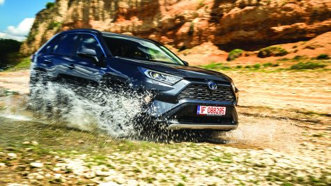 Test Toyota RAV4 2.5 Hybrid VVT-iE 4×4 Luxury
