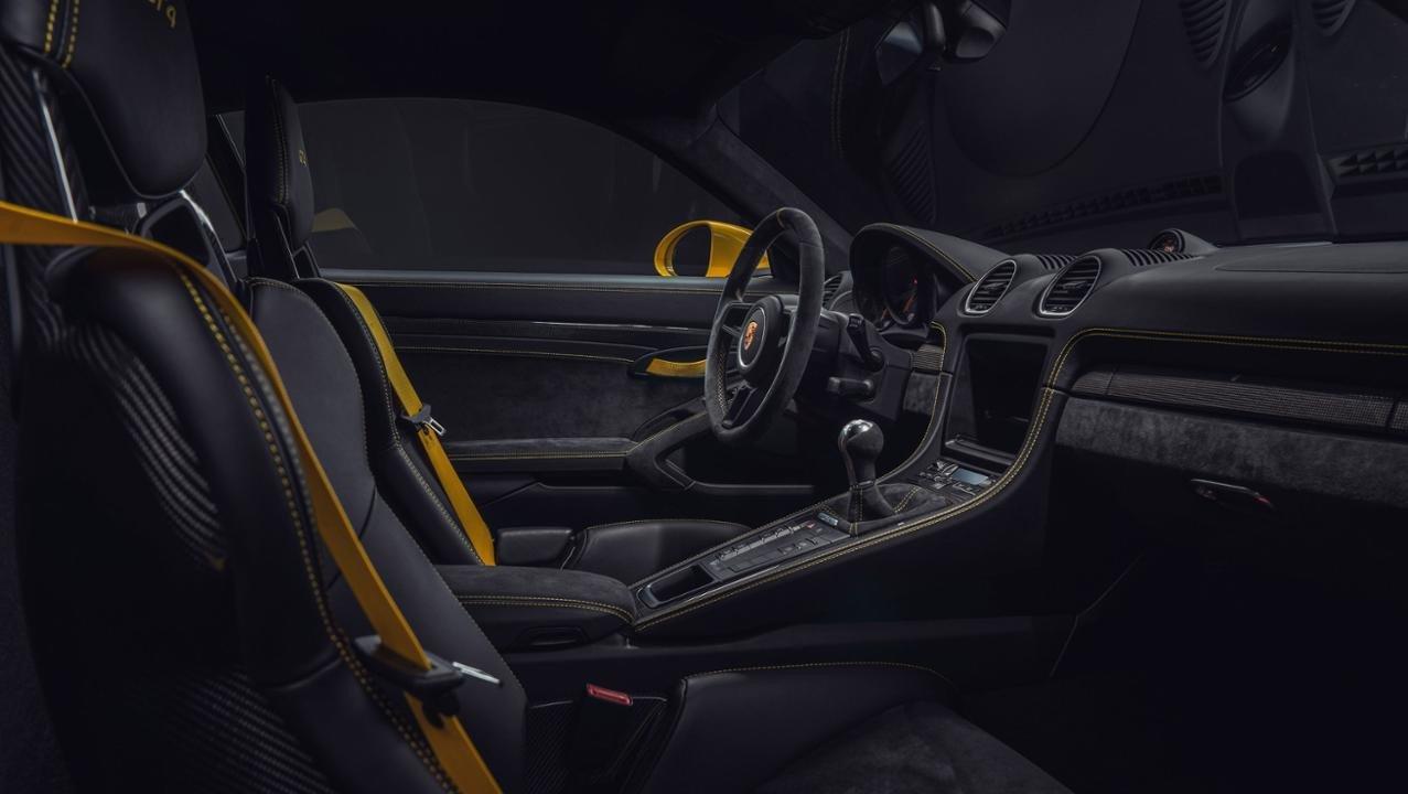 Noile Porsche 718 Boxster Spyder și 718 Cayman GT4 - Informații și fotografii oficiale (8)