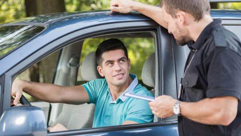 """""""Nu mai consumați substanțe interzise!"""" Dialog halucinant între polițist și șofer"""