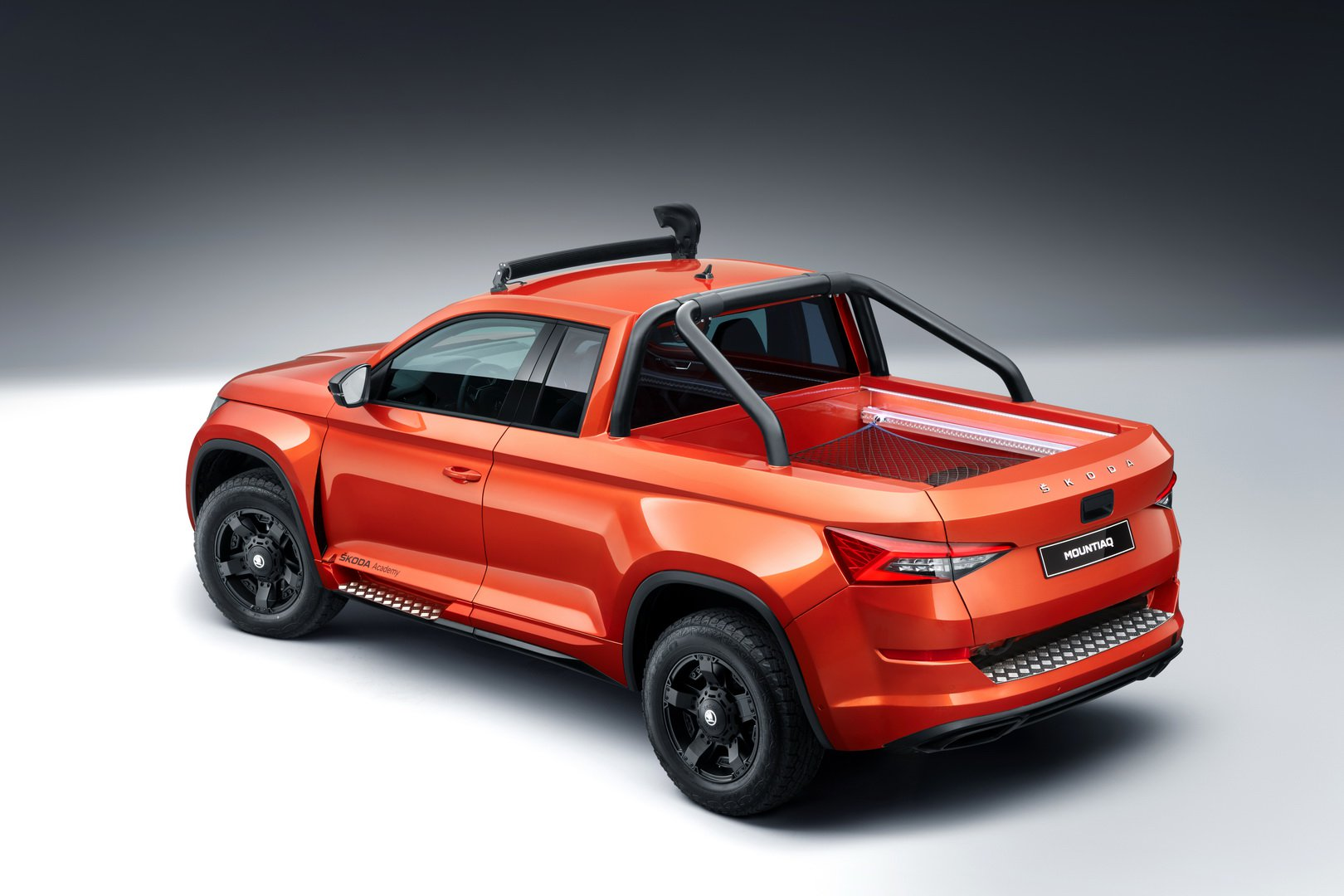 Skoda Mountiaq rival Dacia Duster pick-up (17)