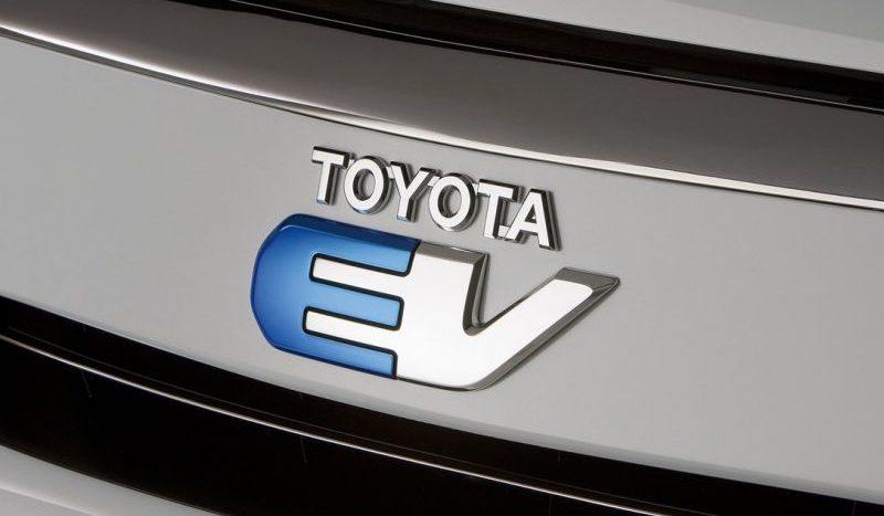 Toyota electrică (6)