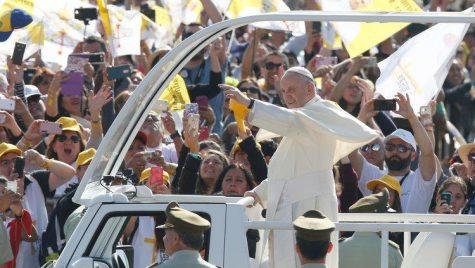 Papa Francisc – Mașinile modeste folosite în România