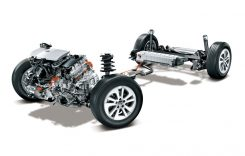 Toyota – lider absolut pe piața modelelor hibride