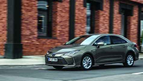 Test Toyota Corolla Sedan Hybrid 1.8 (cu video)