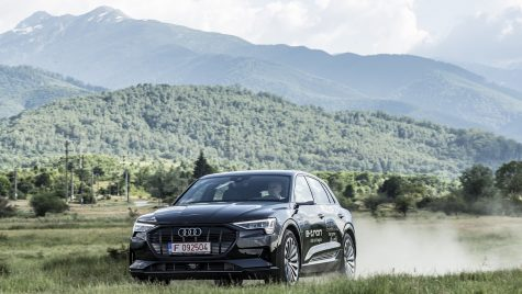 Test video Audi E-Tron – Am testat prima mașină fără oglinzi