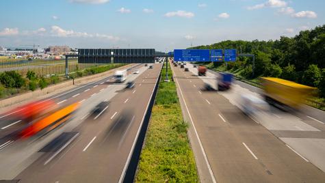 Acestea este primul vehicul care folosește autostrada electrică din Germania