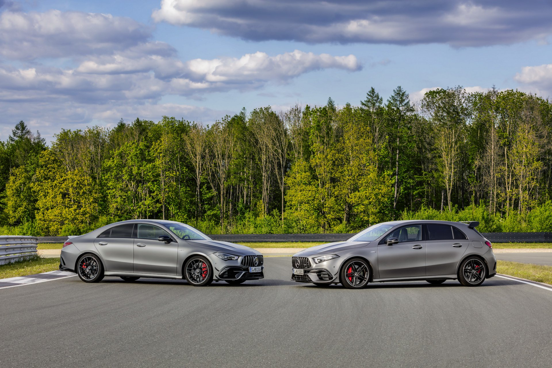 Mercedes-AMG A si CLA 45 fata-n fata