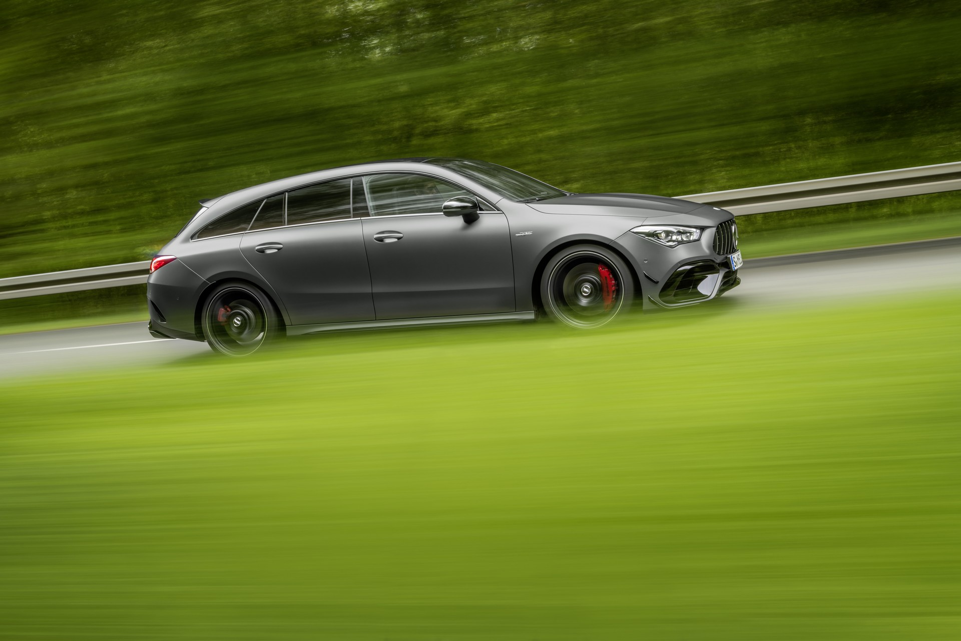 Mercedes-AMG CLA 45 4MATIC+ Shooting Brake (23)