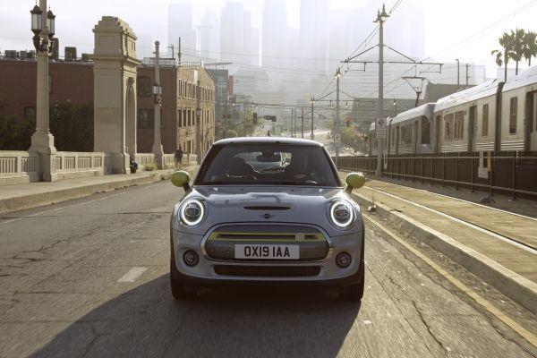 Noul MINI Cooper electric (2)