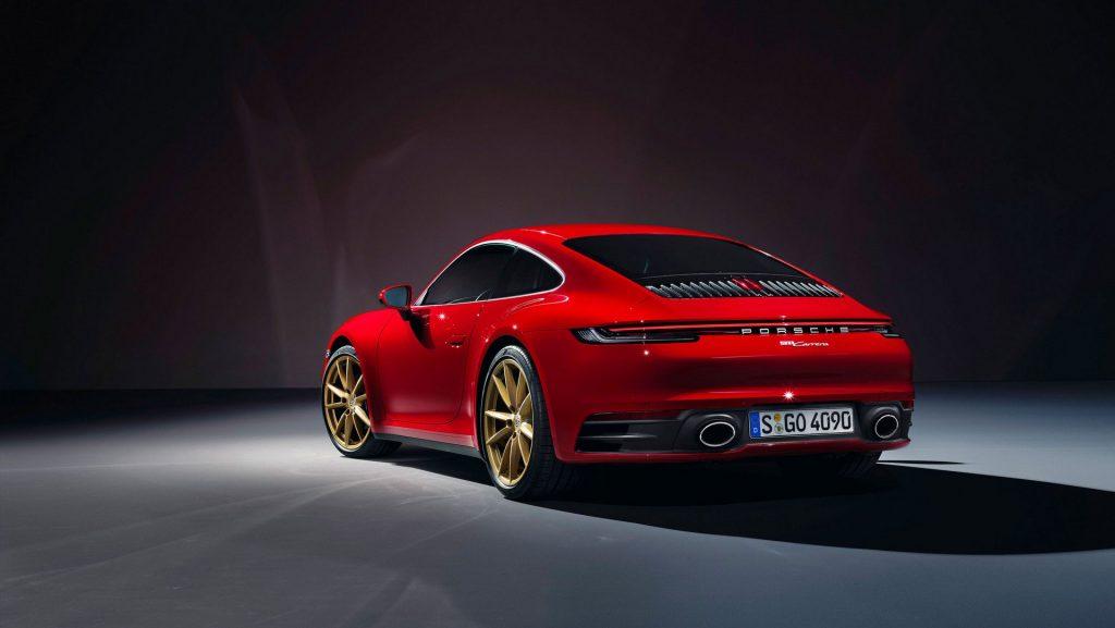 Porsche 911 Carrera (11)