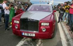 Simona Halep a avut șofer de lux la revenirea în țară. Cine a condus super-limuzina?