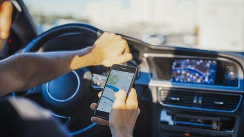 Trei aplicații de mobil dedicate șoferilor foarte utile în 2019