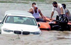 Motivul ireal pentru care un tânăr și-a împins noul BMW în apă
